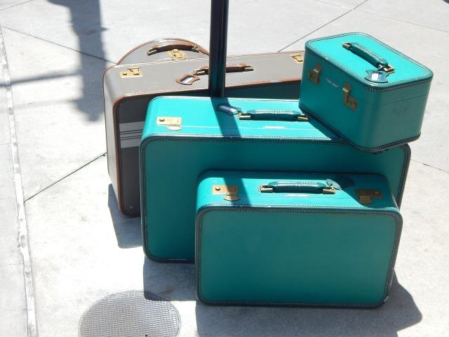 luggage-718059_1920.jpg